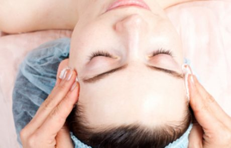 איך לשמור על עור הפנים?